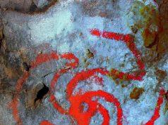 Gambar yang disempurnakan dari simbol di Pinwheel Cave. (Devlin Gandy)